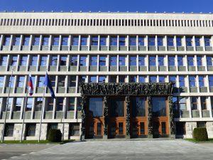 piazza della repubblica lubiana parlamento slovenia