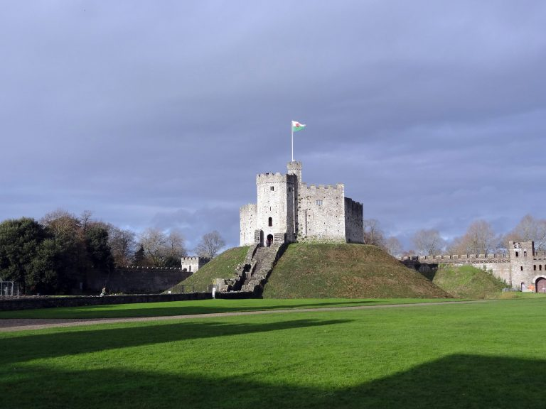 cardiff galles norman shell keep torre interna alle mura