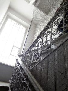 museo delle vittime del genocidio scale con rete KGB vilnius