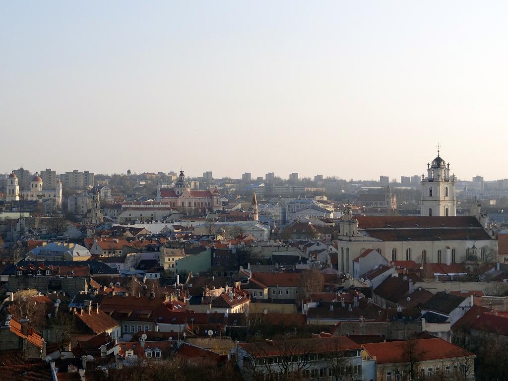 città vecchia di vilnius dall'alto vista da collina gedimino