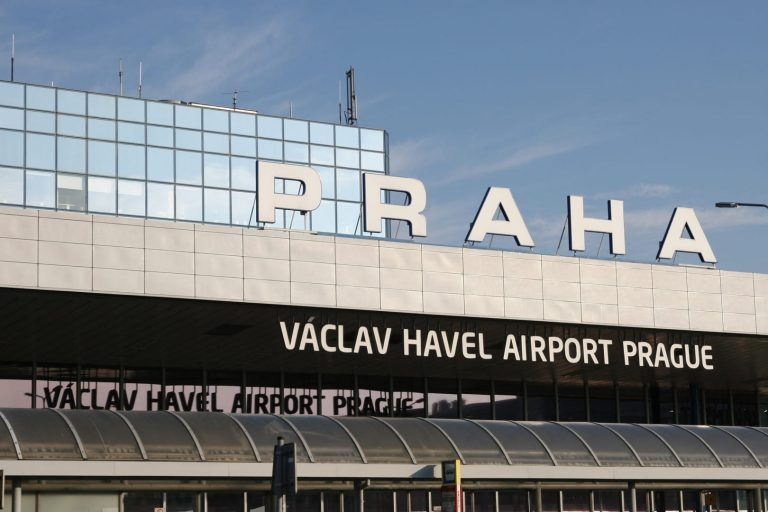 aeroporto di praga vaclav havel terminal arrivi