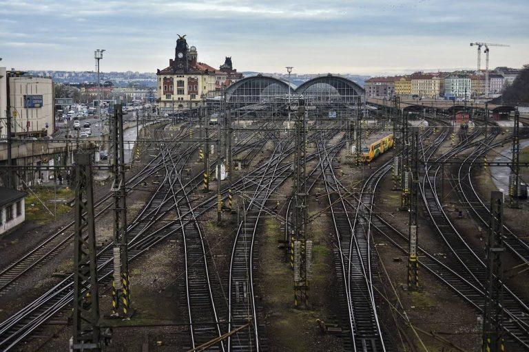praga-stazione-centrale-hlavni-nadrazi-berightback