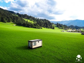 westendorf-austria-tirolo-montagne-verdi-estate-berightback