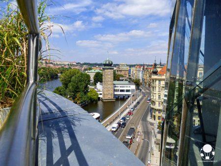 la terrazza della casa danzante di praga uno dei punti panoramici per vedere la città dall'alto