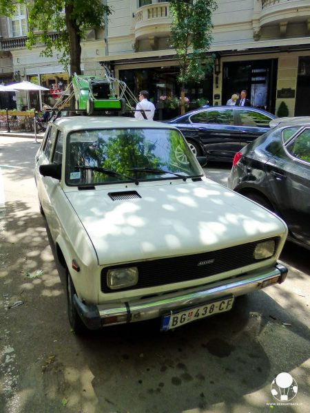 curiosità-serbia-casa-automobilistica-zastava-auto-yugo-berightback