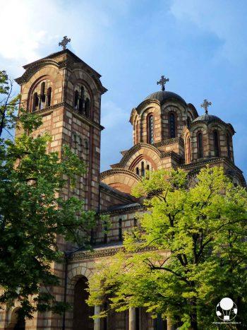 Torre e cupole della chiesa ortodossa incompiuta dedicata a San Marco