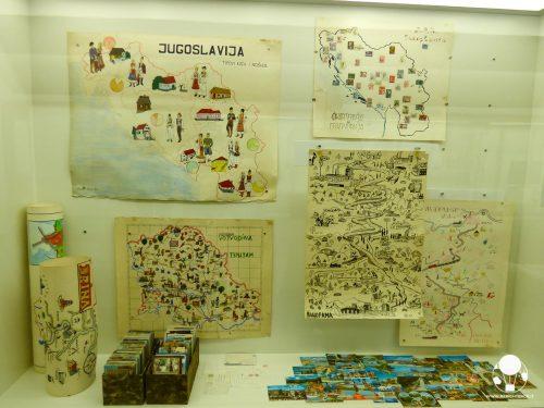 Museo della storia della Jugoslavia, mappe ed illustrazioni