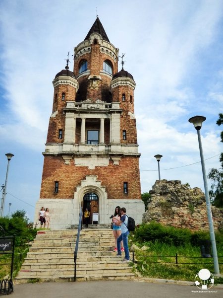 La torre del millennio nel quartiere di Zemun, Belgrado