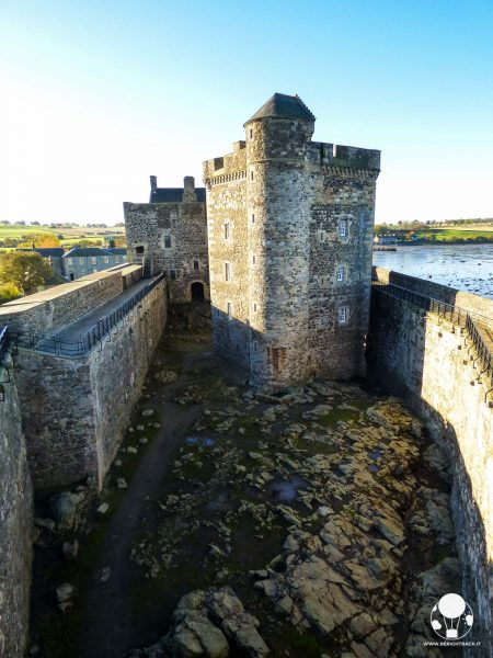 outlander blackness castle prigione fort william frusta