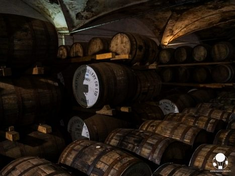 distilleria deanston whisky botti outlander stagione due