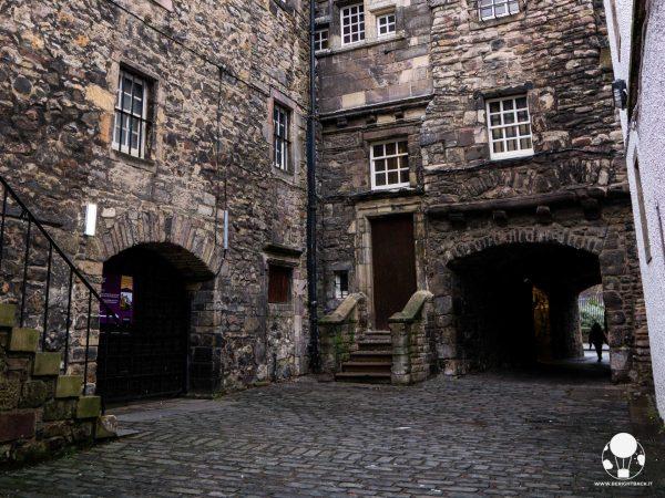 location outlander scozia print shop jamie a. malcom bakehouse close edimburgo
