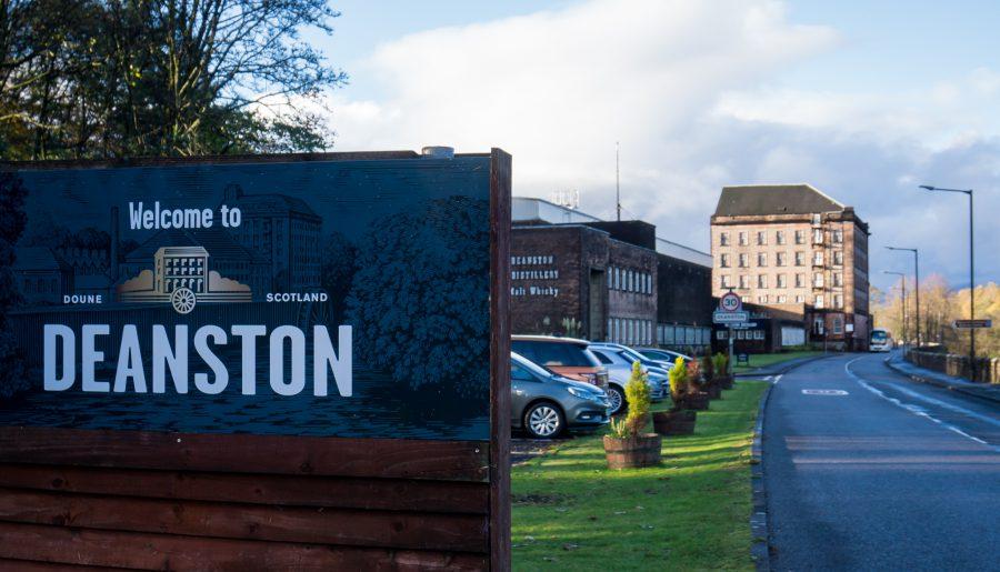 Deanston distillery distilleria Doune esterno