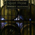 Isola di Mull Tobermory distillery magazzino whisky sleeping
