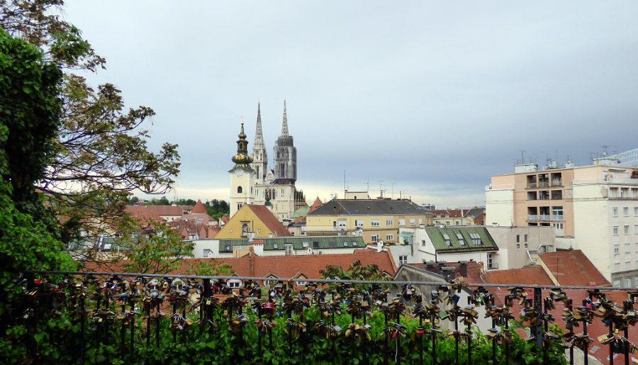 cattedrale di zagabria vista dall'alto lucchetti croazia