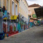 Centro Atene Grecia street art vicolo colorato