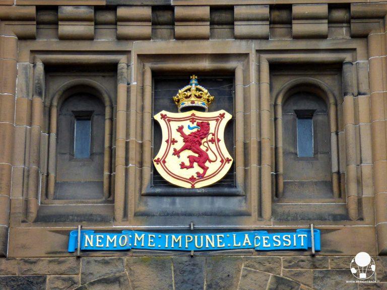 castello-di-edimburgo-motto-scozia-nemo-me-impune-lacessit-berightback