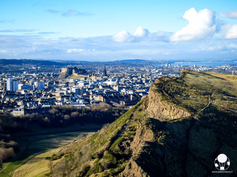 colline-edimburgo-arthurs-seat-vista-sul-castello-berightback