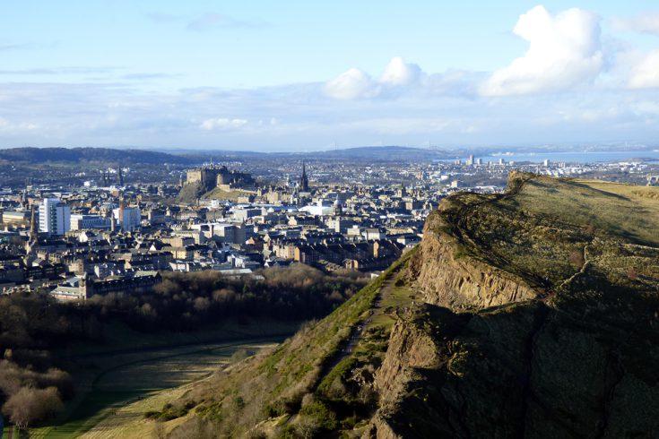 Edimburgo collina castello e arthur's seat