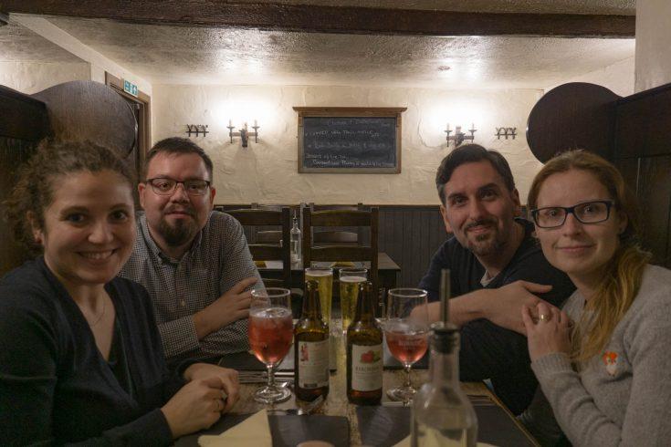 Falls of Dochart Inn a Killin cena tra amici con cider