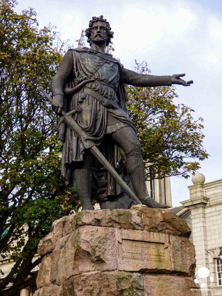 statua-di-william-wallace-braveheart-ad-aberdeen-berightback