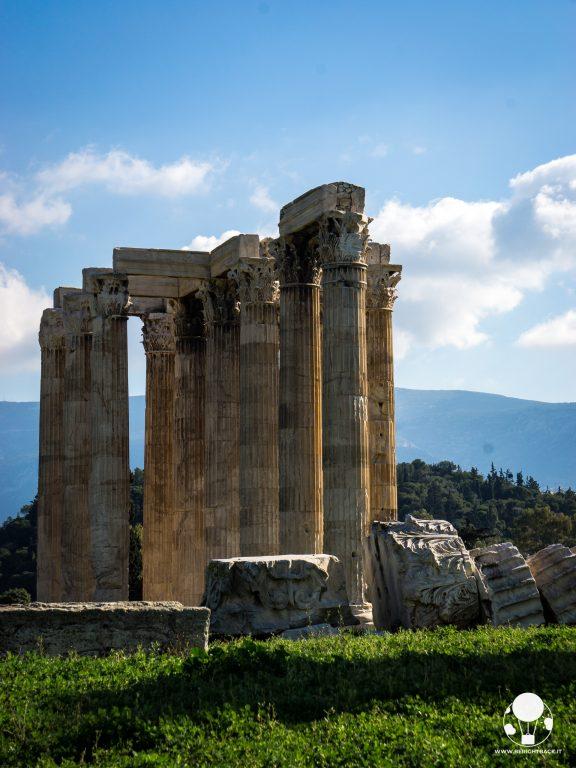 tempio corinzio zeus olimpio colonna caduta