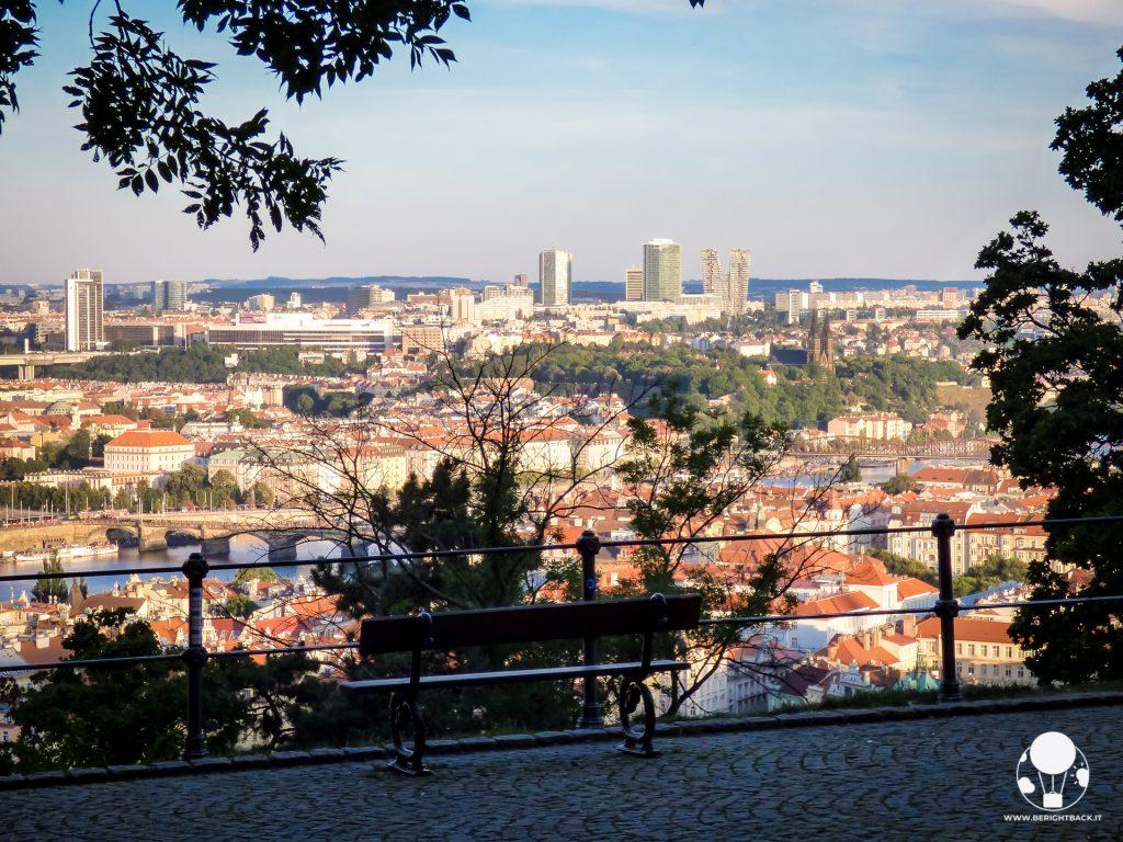 giardino kinsky parco petrin panorama su citta