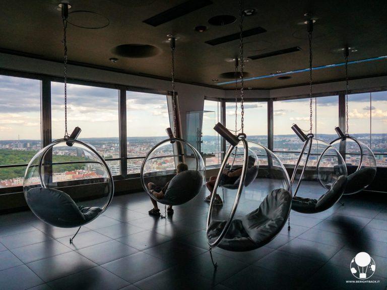 interno torre tv zizkov praga ovetti panorama
