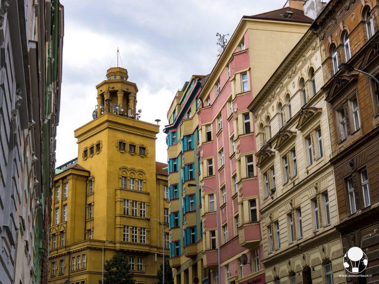 torre centrale telefonica praga quartiere zizkov