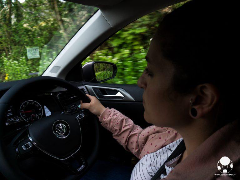 guida a sinistra inghilterra volante auto