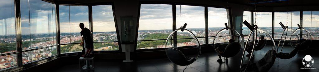 torre tv di praga repubblica ceca interno vista