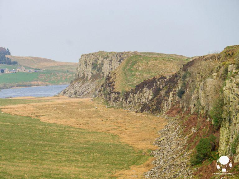 roman wall scogliera panorama vallo di adriano