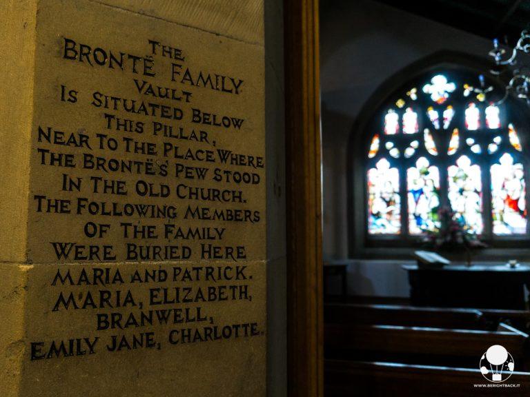 tomba famiglia bronte cappella chiesa haworth west yorkshire
