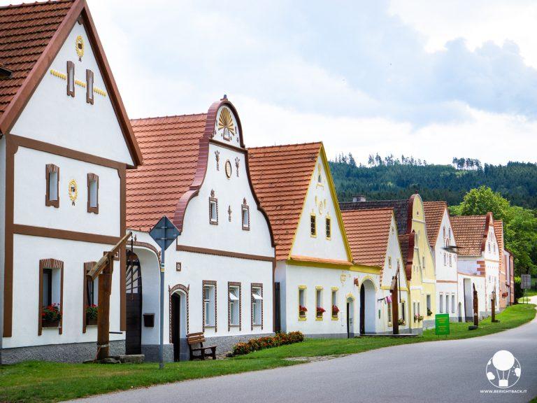 repubblica ceca boemia del sud holasovice villaggio barocco rurale boemo unesco