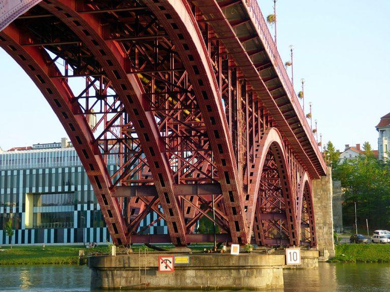 maribor marburgo slovenia ponte rosso in ferro stari most