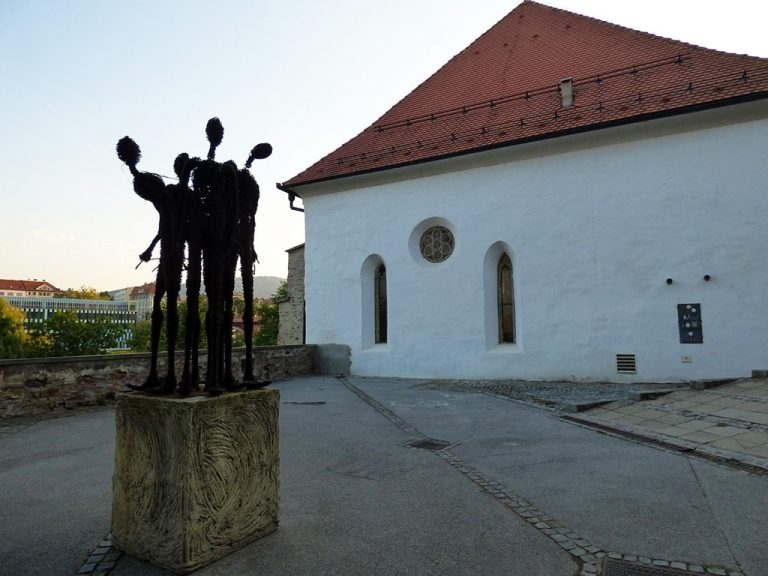 maribor marburgo slovenia quartiere ebraico resti sinagoga e monumento