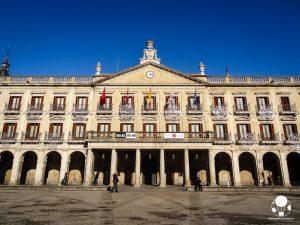 vitoria gasteiz capitale paesi baschi spagna plaza nueva municipio eta