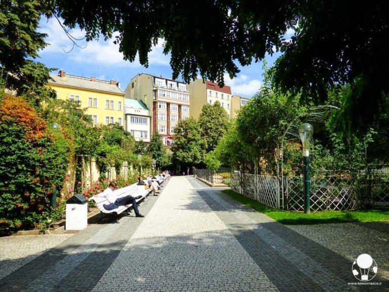 praga-giardini-francescani-piazza-venceslao-galleria-svetozor-berightback