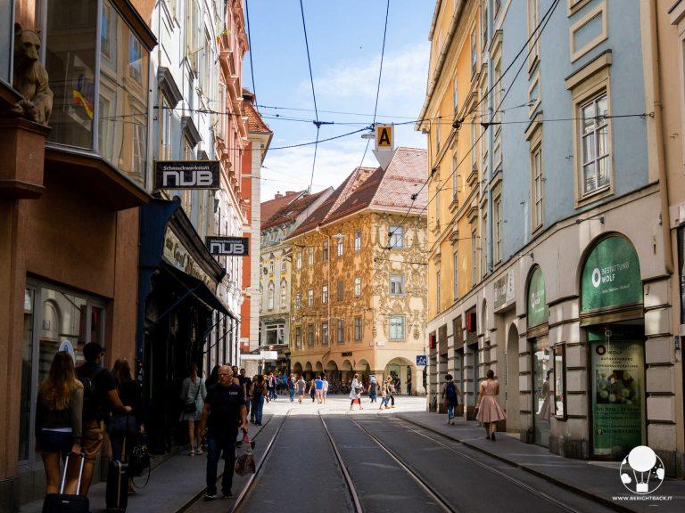 graz stiria austria legghauser herrengasse casa all'angolo in stile barocco decorazioni