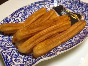 cosa mangiare a siviglia centro colazione churros con zucchero