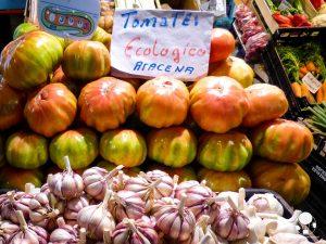 dove mangiare centro siviglia mercado de triana frutta verdura locale