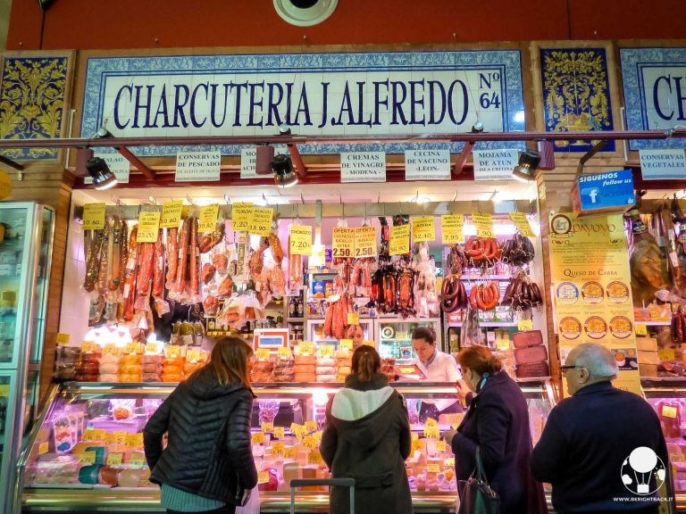 dove mangiare siviglia centro quartiere triana mercado de triana charcuteria