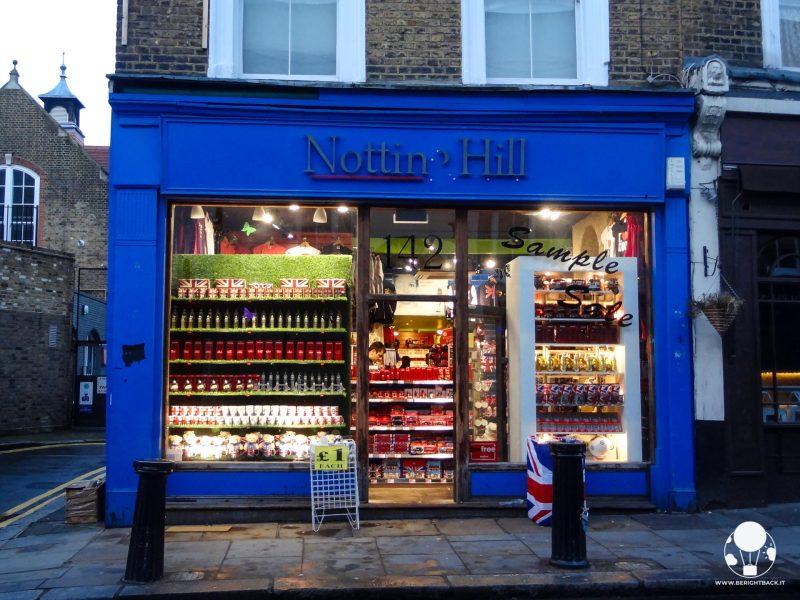 notting hill portobello road negozio nome film blu