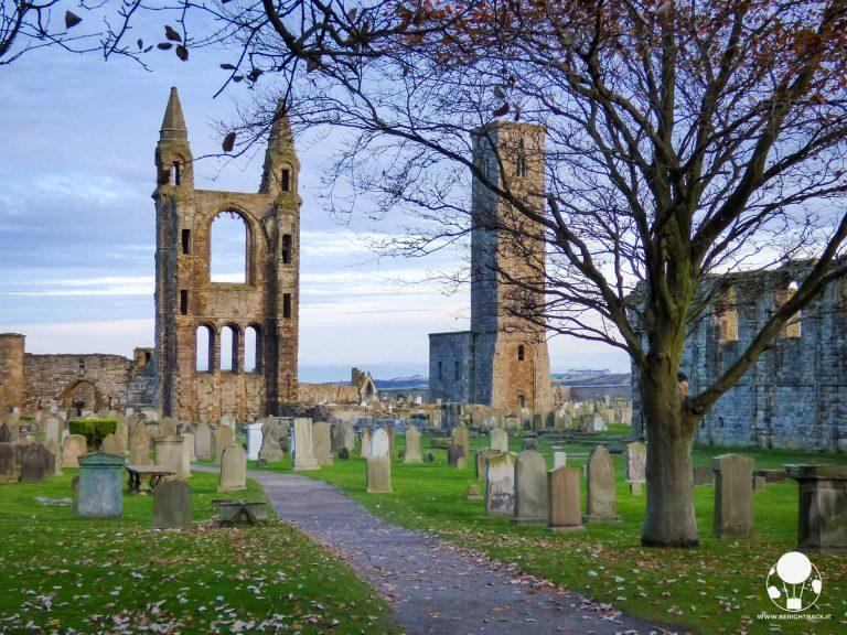 scozia itinerario autunnale rovine cattedrale e cimitero st andrews fife