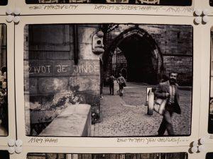"""Rivoluzione di Velluto, """"la vita è altrove"""" (Ponte Carlo)"""