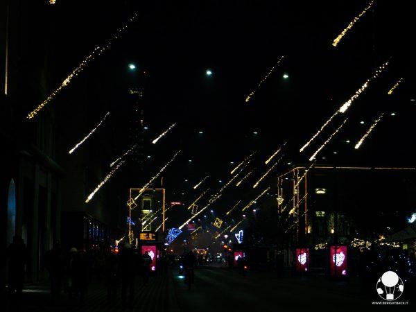 lubiana luminarie natalizie meteoriti in cielo slovenska cesta