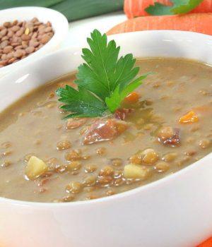 Tra i piatti tradizionali della Repubblica Ceca, la zuppa di lenticchie