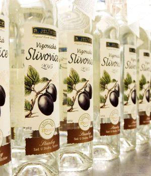 alcol tipico repubblica ceca slivovice grappa a base di susine pera lamponi