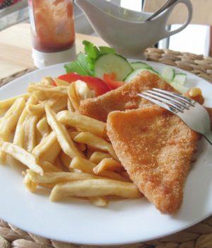 secondi piatti tipici repubblica ceca smazeny syr formaggio fritto con patatine