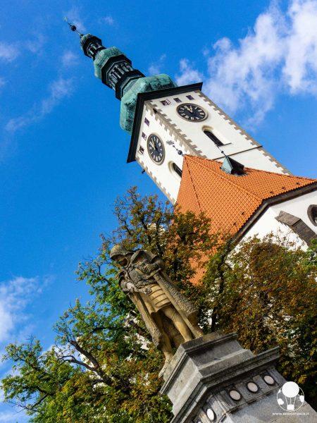 tabor repubblica ceca boemia meridionale cosa vedere piazza zizka chiesa della trasfigurazione di gesù e statua zizka