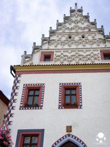 tabor repubblica ceca boemia meridionale cosa vedere case borghesia frontone decorato merlature piazza zizka